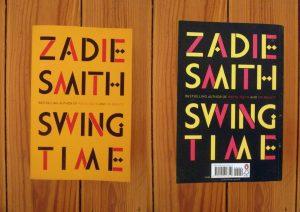 """Dieses Bild zeigt Vor-und Rückseite des Romans """"Swing Time"""" von Zadie Smith."""
